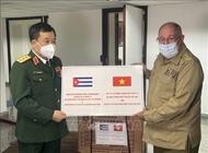 Vietnam, Cuba's defense leaders hold talks