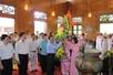 越南胡志明市和宜安省国会代表团拜访莲花村遗迹区并为胡志明主席举办悼念仪式